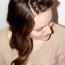 Novogodišnja frizura – ispletite kosu sa dva pramena