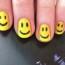 Žuti smajlići na noktima