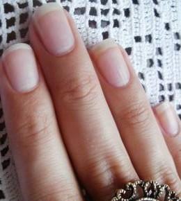 Moja priča o jačanju noktiju
