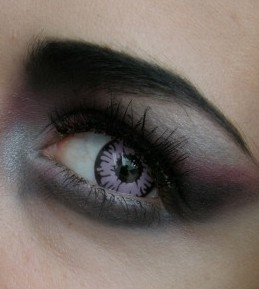 Vamp doll look