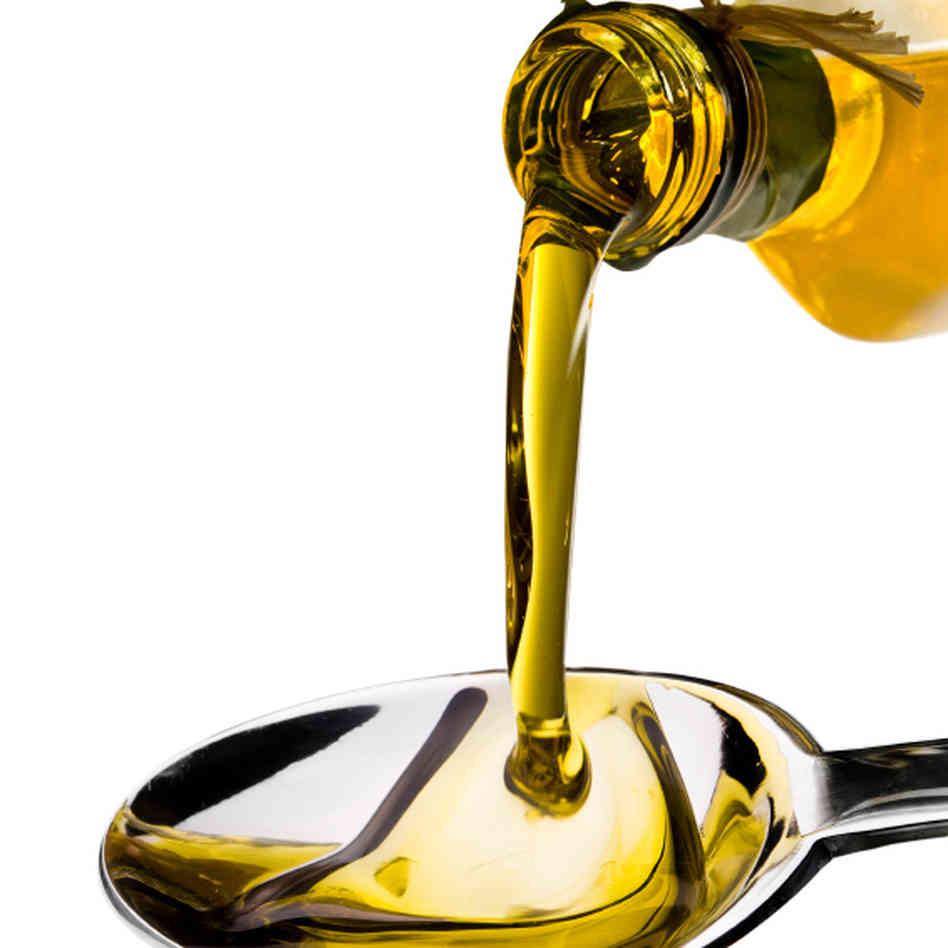 olive-oil_sq-e4b656991b973d6de22fb74a05922bb0650e9e5a-s6-c10