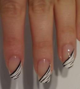 Zebra manikura