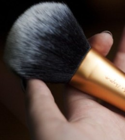 Real Techniques Powder Brush – recenzija