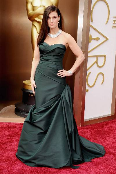 elle-2014-oscars-red-carpet-looks-idina-menzel-v-xln
