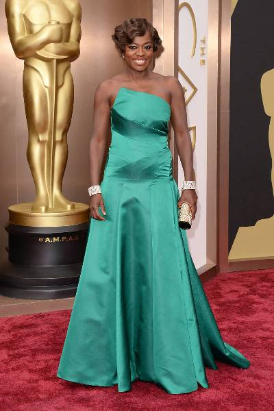 elle-2014-oscars-red-carpet-looks-viola-davis-v-xln