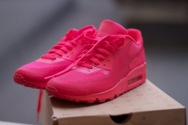 osdtx1-l-610x610-shoes-pink-all-pink-errrry-thing-nike-air-maxes-air-maxes-1-pink-nike-air-max-woman-cute-nike-sweet-nike-air-max-air-max-90-airmax