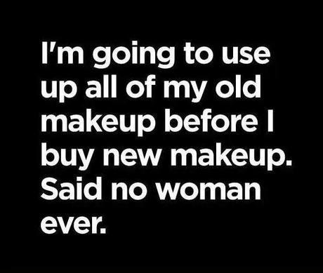 makeup-junkie-strikes-again-L-8AiQf3