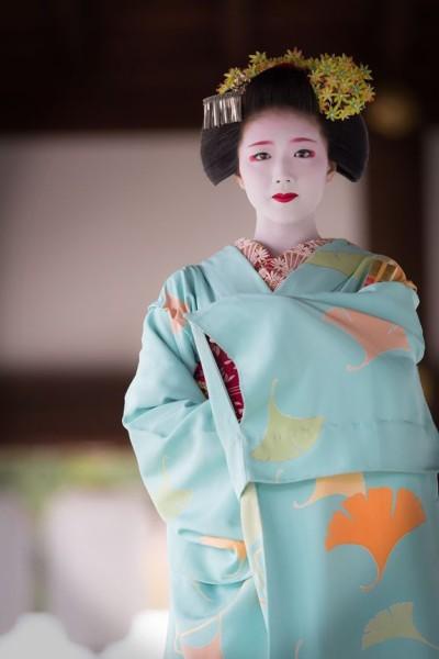 geisha sad face