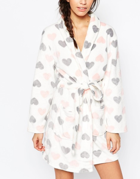 Nes look heart printed robe (Asos)