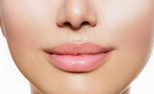 plump-lips-makeupplump-lips-by-freeze-24-7plump-lips-surgeryplump-lips-with-cinnamon-600x368