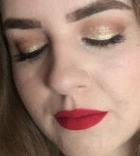 Crveni makeup look za Božić