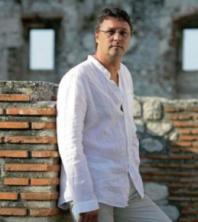 Hari Rončević priprema najromantičniji koncert godine!